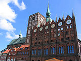 Stralsund: Old Market Square with the Town Hall and the Nikolaikirche