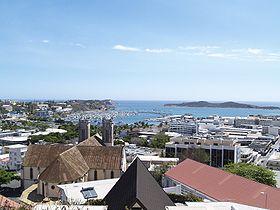 Vue de Port-Moselle, de la Cathédrale et du centre-ville, Nouméa