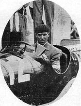 Tazio Nuvolari avant le départ du Grand Prix de Nîmes 1933