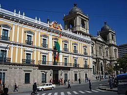 Palacio Quemado (Palacio de Gobierno) y Catedral Metropolitana de La Paz, Bolivia.jpg