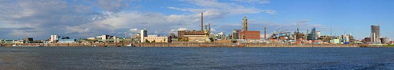 Leverkusen, principal fábrica de Bayer.