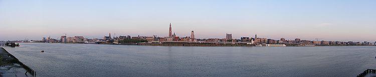 Impressie van Antwerpen vanaf Linkeroever