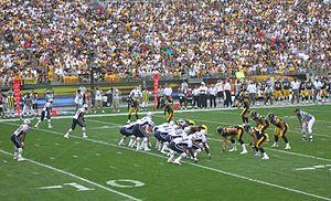Un match de football américain entre les New England Patriots et les Pittsburgh Steelers