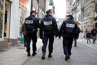 Patrouille pédestre de gardiens de la paix