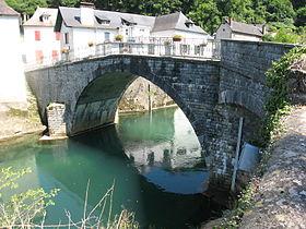 Pont des lamiñak sur la rivière Saison