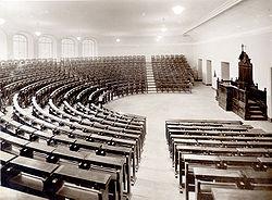 L'aula anfiteatro della Pontificia Università Gregoriana
