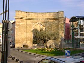 La porte d'Arles au centre ville d'Istres