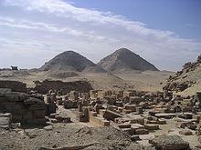 Pyramides d'Abousir.JPG