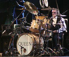 Roger Taylor en una presentación con Queen + Paul Rodgers en Frankfurt, Alemania (2005).