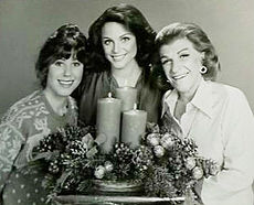 Rhoda cast 1977.JPG