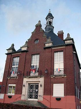 L'hôtel-de-ville (façade avant).