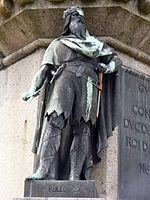 Statue de Rollon, sur le socle de celle du Conquérant, à Falaise (Calvados).
