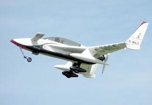 Rutan.long-EZ.g-wily.arp.jpg
