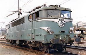 La BB 9218 en livrée d'origine, à Pau en 1986.