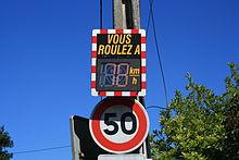 Saint Remy les Chevreuse Panneau Signalisation Vitesse.jpg
