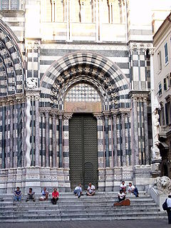 San Lorenzo Genova facciata 04.jpg