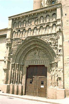 Porche de l'église Santa Maria