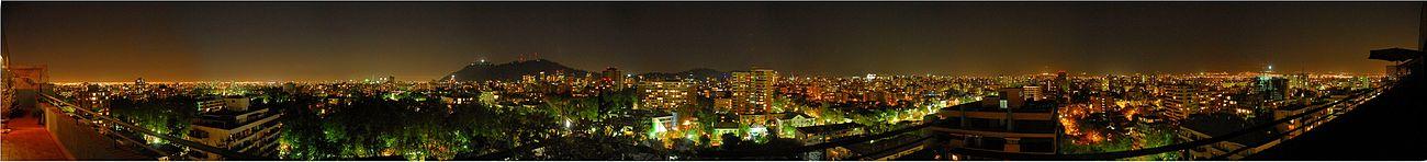 panorámica de Santiago de Chile (Vista Nocturna) .