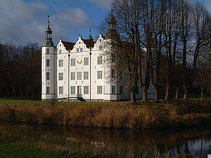 Schloss.Ahrensburg.wmt.jpg