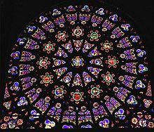 Rosetón en la basílica de St. Denis
