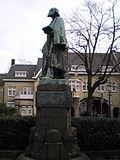 Standbeeld Pierre Cuypers, Munsterplein