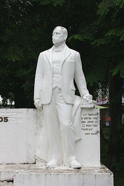 Statue-Louis-Brunet.JPG