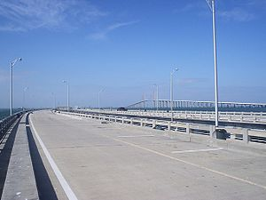 Sunshine skyway pier 01.jpg