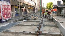 Vue des travaux de renouvellement des voies à l'été 2010 à Basilique de Saint-Denis, sur pose antivibratile renforcée.