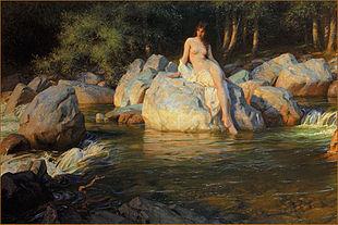 Le décor de la peinture est une petite cascade qui circule dans une forêt. Au centre de la peinture, une femme nue est assise sur une pierre et ses pieds touchent à peine l'eau.