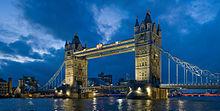 Tower bridge London Twilight - November 2006.jpg