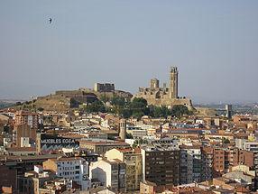 Vue générale de Lleida. Au fond, la cathédrale de la Seu Vella et le Château de la Suda