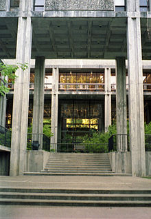 UCSC McHenry Library.jpg