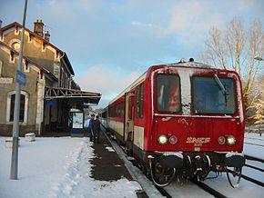 Composition X 2200 en gare de Vieilleville.
