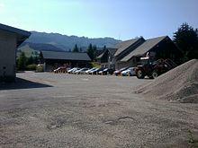La maison et le centre d'entretien routier du conseil général de l'Isère.