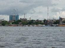 Vista ciudad desde rio.JPG