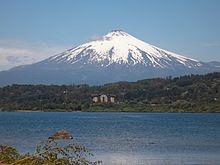 Volcán y lago Villarrica.jpg