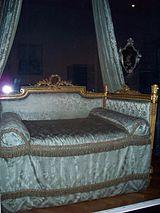 WLA vanda Bed lit a la polonaise.jpg