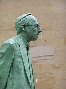 Wfm donald dewar statue.jpg