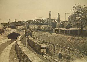 La rivière Vienne à côté du premier métro, dans les années 1900.