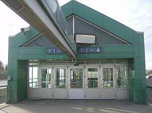 Zoo (C-Train) 5.jpg