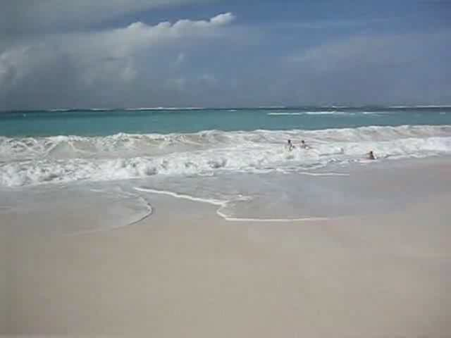 Anguilla-shoal-bay.ogg