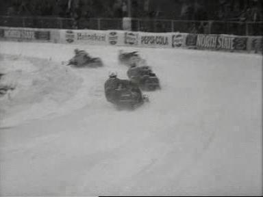 Eerste kennismaking snowmobielraces Weeknummer, 79-13 - Open Beelden - 51230.ogv