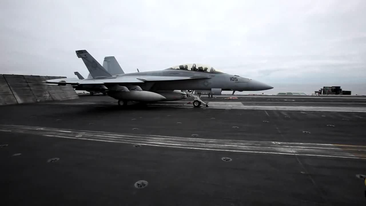 F-18 taking off from Nimitz (Video).ogv