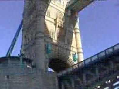 LondonThemse1998Video.ogg