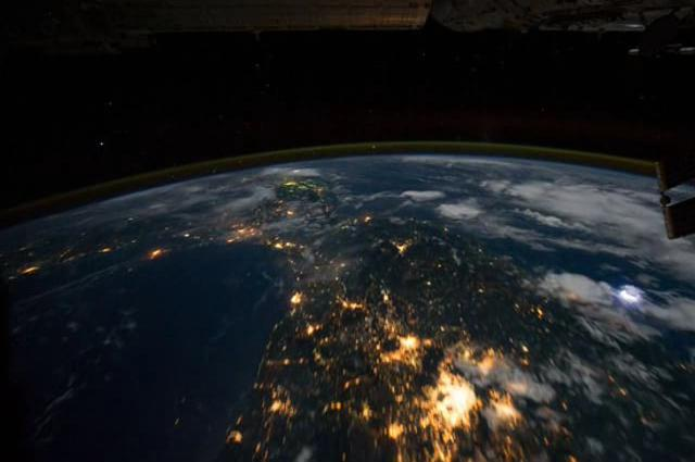 Northwest coast of United States to Central South America at Night.ogv