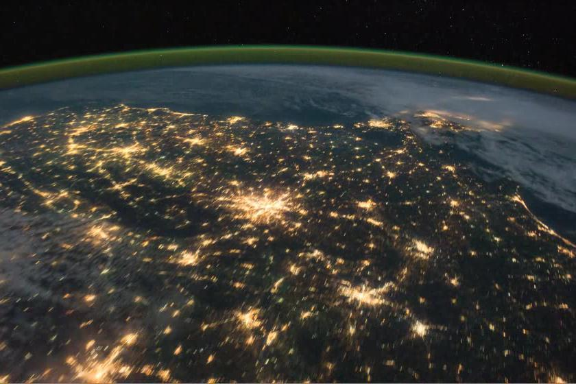Pass over Canada and Central United States at Night.ogv