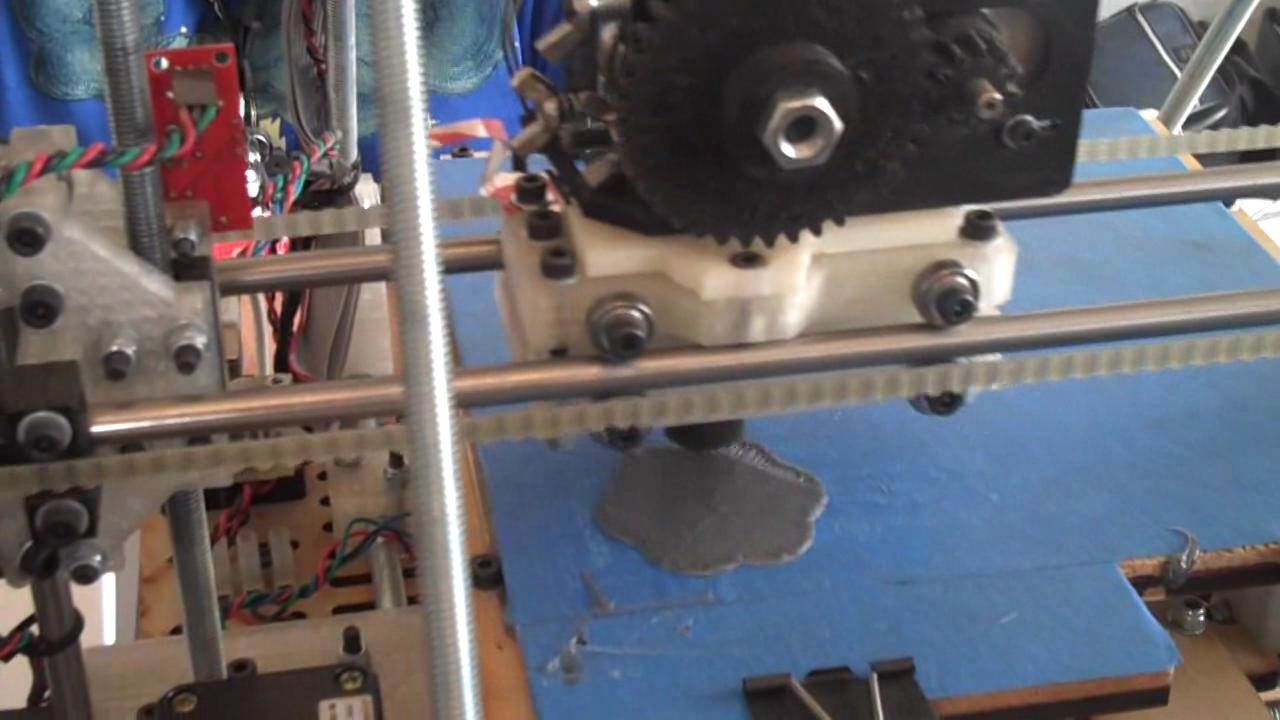 Video of RepRap printing an object