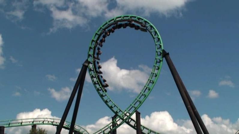Roller coaster vertical loop.ogg