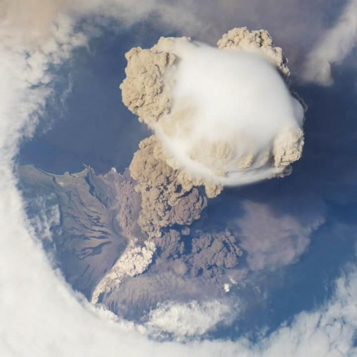 Sarychev Peak eruption on 12 June 2009, oblique satellite view.ogv