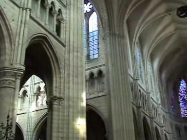 Soissons kathedrale Video.ogg